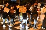 Kobiety w Kostrzynie tym razem o swoje prawa walczyły w milczeniu i ze zniczami