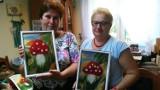 Ropica Polska. Seniorzy malowali obrazy wełną. Choć wielu robiło to pierwszy raz, powstały piękne prace [ZDJĘCIA]