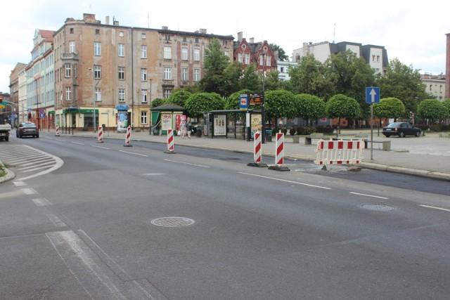 Bytom: utrudnienia na ul. Sobieskiego. Trwa remont zatoki autobusowej i prawego pasa jezdni