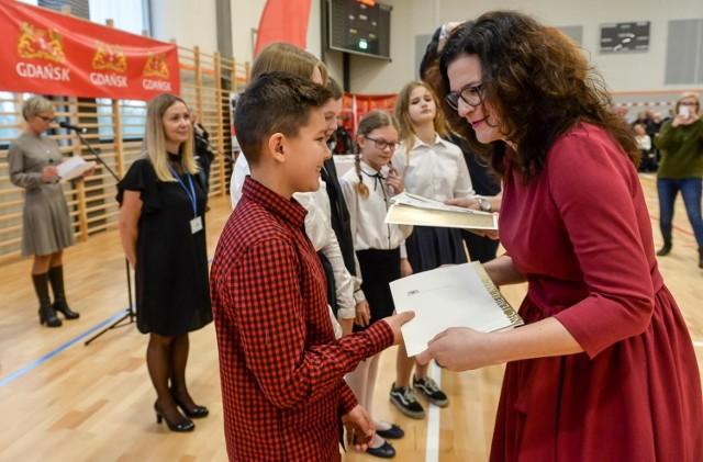 Gdańscy uczniowie odebrali stypendia za osiągnięcia sportowe w minionym roku szkolnym [14.12.2019]