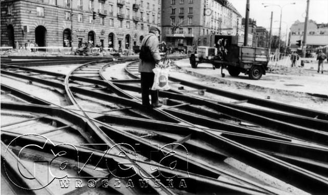 Kwiecień 1994. Remont torowiska na ul. Piłsudskiego