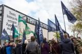Protest przed Teatrem Powszechnym. Narodowcy zapowiadają oblężenie instytucji