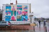 W Wawrze powstał mural z najważniejszymi symbolami dzielnicy. Wśród ilustracji m.in. Plaża Romantyczna i Falenicka Sosna