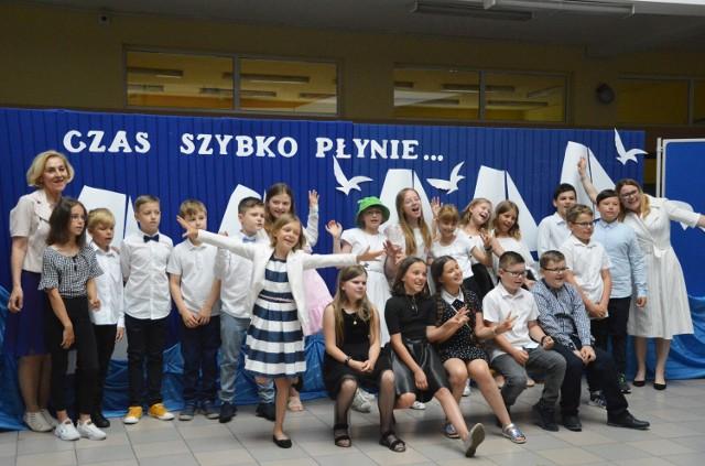 Zakończenie roku szkolnego 2020/2021 w Szkole Podstawowej nr 1 z oddziałami integracyjnymi w Bełchatowie imienia Stanisława Jachowicza.