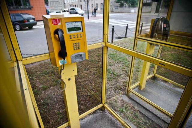Budki telefoniczne likwidowane są systematycznie od 2007 roku.
