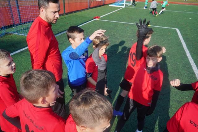 """Rozgrywki """"Z Podwórka na Stadion o Puchar Tymbarku"""" to nie tylko rywalizacja, ale też propagowanie piłki nożnej w mniejszych miastach."""