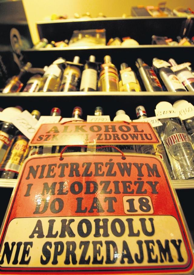 Zakaz sprzedaży alkoholu osobom nieletnim. Na pewno nie w Złotoryi! Tu każdy kupi wódkę bez problemu