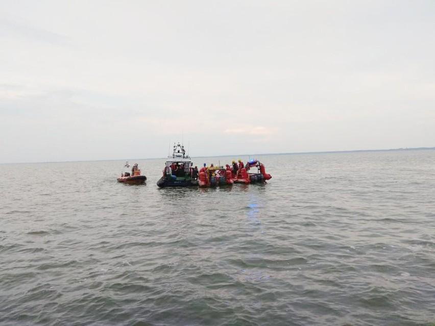 Piaski: mężczyzna wypadł za burtę jachtu. Poszkodowanemu nic się nie stało