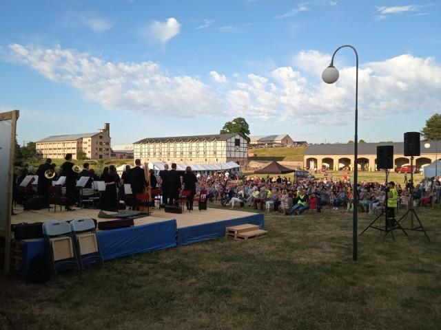 Koncert koszalińskich filharmoników w Siemczynie