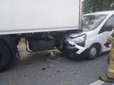 Wypadek trzech aut na drodze krajowej pod Grójcem. Wprowadzono ruch wahadłowy