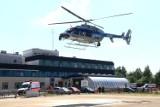 Ale akcja. Śmigłowiec policyjny lądował przy Borowskiej we Wrocławiu. Przywiózł serce do przeszczepu (ZDJĘCIA)