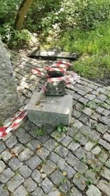 Sosnowiec. Zniszczono pamiątkowy grób rodziny Mackiewiczów. Zadziałał wandal czy silny wiatr?