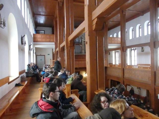 Rejolekcje Stowarzyszenia Edukacja Młodzież w kościele Najświętszego Zbawiciela w Pleszewie