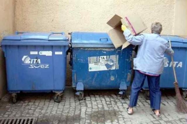 W czwartek radni przegłosowali nowe stawki wywozu śmieci w ...