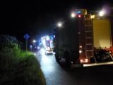 Pożar domu koło Dąbrowy Tarnowskiej. W nocnej akcji w Ujściu Jeziuckim kilka zastępów strażaków [ZDJĘCIA]