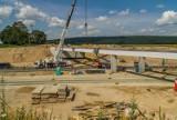 Trwa budowa autostrady A1 w okolicach Radomska. Najnowsze zdjęcia z placu budowy [LIPIEC 2020]