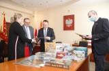 Instytut Pamięci Narodowej przekazał gry edukacyjne dla uczniów w gminie Łomża