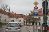 Kraków. Pod Wawelem powstanie nowy plac miejski? Na razie wprowadzają tam duże ograniczenia w ruchu