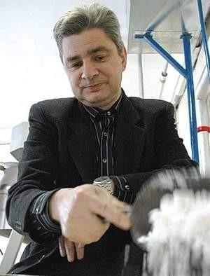 Kazimierz Leszczyna z Katowic od kilku lat wydobywa solankę ze złóż w Dębowcu.