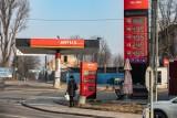 Kraków. Taniejące paliwo w pandemii to już przeszłość. Już jest 5 zł i rośnie. Jakie ceny na stacjach paliw?