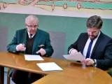Pleszew. Kosz Pleszew podpisał porozumienie o współpracy z Akademią Kaliską