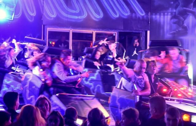 Jedną z tradycyjnych atrakcji Winobrania jest lunapark, który cieszy się dużym zainteresowaniem m.in. młodzieży. - Nazywamy to miejsce Las Vegas, bo fajnie wygląda nocą, jak te wszystkie karuzele i urządzenia się oświetlone - mówią młodzi ludzie.