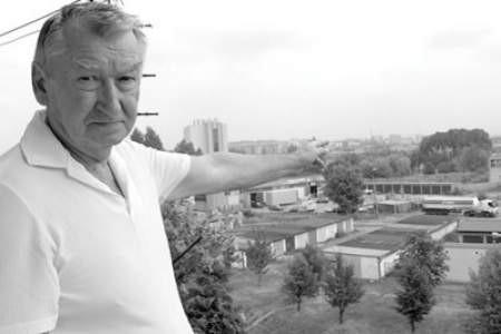 Tadeusz Mućk obawia się, że dym z hutniczych kominów szkodzi jemu i jego rodzinie.