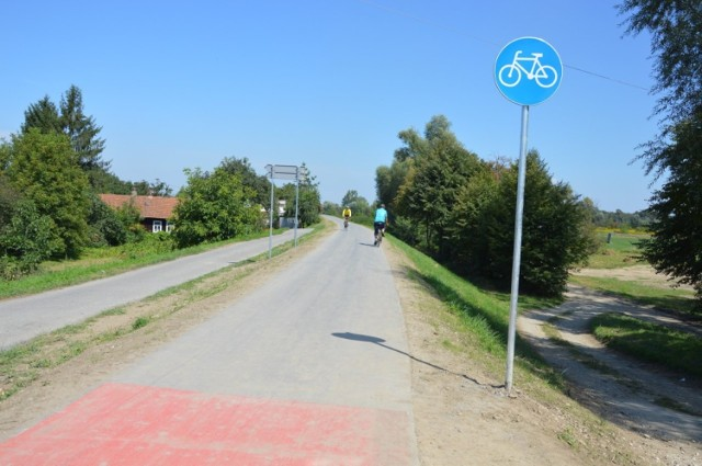 Pod Tarnowem przebiega na razie jedna trasa rowerowa Velo Dunajec, która nie jest jeszcze w całości gotowa. Velo Biała łączyłaby się z nią w rejonie Ostrowa