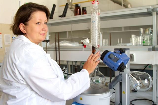 Dr Anna Żołnierczyk z Katedry Chemii Wydziału Nauk o Żywności Uniwersytetu Przyrodniczego we Wrocławiu