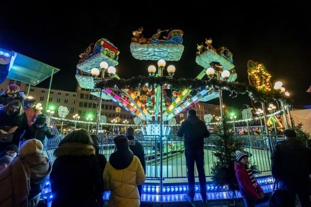 W sobotę, 16 listopada na placu Wolności w Poznaniu oficjalnie zostało otwarte Betlejem Poznańskie. Natomiast 30 listopada jarmark bożonarodzeniowy ruszy także na Starym Rynku. Betlejem Poznańskie na placu Wolności i Starym Rynku potrwa do 22 grudnia.  Czytaj dalej --->