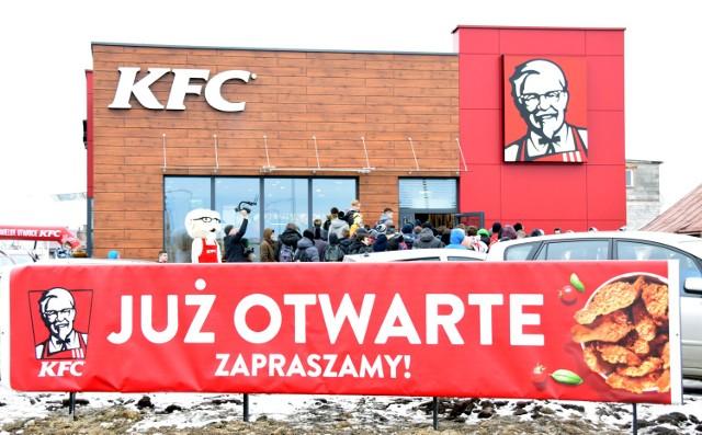 zobacz też: Otwarto KFC w Radomiu przy ukicy Słowackiego    Źródło:echodnia.eu