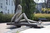 Częstochowa: Pani Kowalska się sypie. Słynna rzeźba autorstwa Włodzimierza Ściegiennego wymaga pilnej naprawy