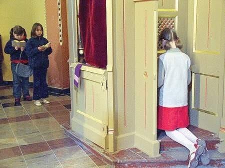 W kościołach katolickich rozpoczęła się wielkotygodniowa spowiedź.