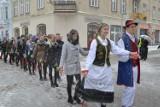 Polonez tegorocznych maturzystów powiatu kartuskiego już 12 stycznia na kartuskim Rynku