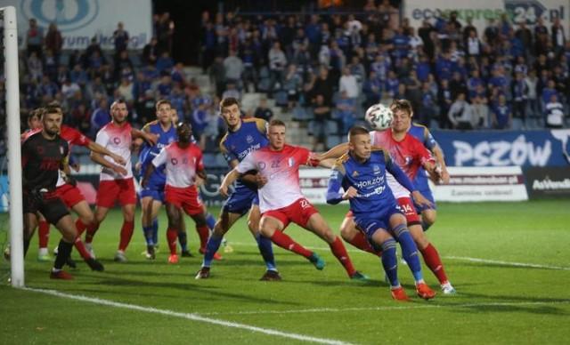 W rundzie jesiennej Polonia Nysa przegrała z Ruchem Chorzów na wyjeździe 4:0.