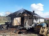 Spłonął garaż w Przybiernowie. Z budynku nie zostało wiele