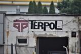 Odkrył się napis po dawnym Terpolu w Sieradzu. Podobnych pamiątek z przeszłości na terenie miasta można znaleźć więcej ZDJĘCIA
