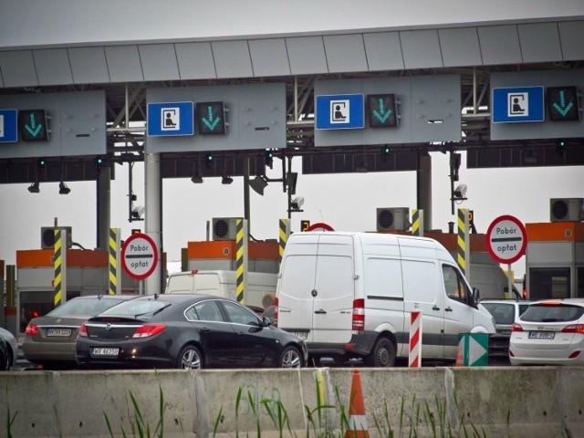 Wirtualna Polska twierdzi, że rząd może chcieć opłat za drogi ekspresowe. Rzecznik ministerstwa dementuje