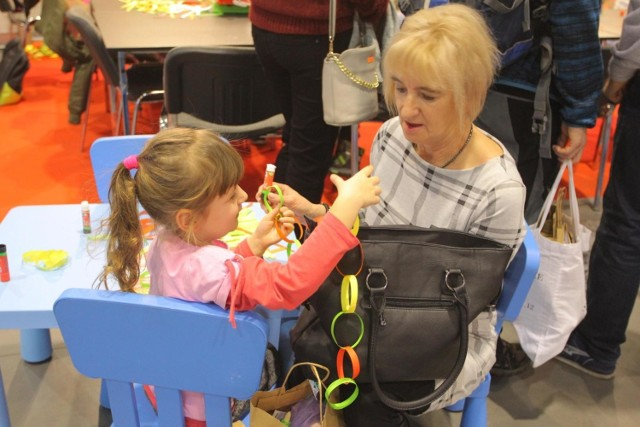 Festiwal to nie tylko prezenty, ale także warsztaty dla dorosłych i dla dzieci. W zeszłym roku było ich aż 75. Zobacz zdjęcia z zeszłorocznej edycji.