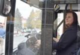 Wiceminister Funduszy i Polityki Regionalnej za kierownicą pierwszego w Polsce autobusu napędzanego wodorem [ZDJĘCIA]