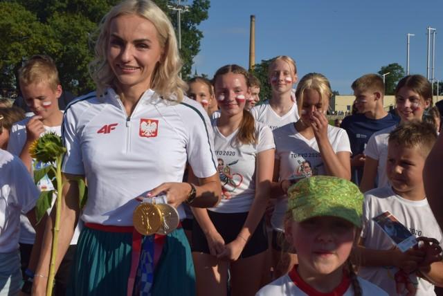 Racibórz po królewsku powitał Justynę Święty-Ersetic, złotą i srebrną medalistkę Igrzysk Olimpijskich w Tokio