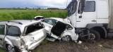 Wypadek w gminie Trzemeszno. Zderzyło się pięć samochodów. Trzy osoby trafiły do szpitala [zdjęcia]