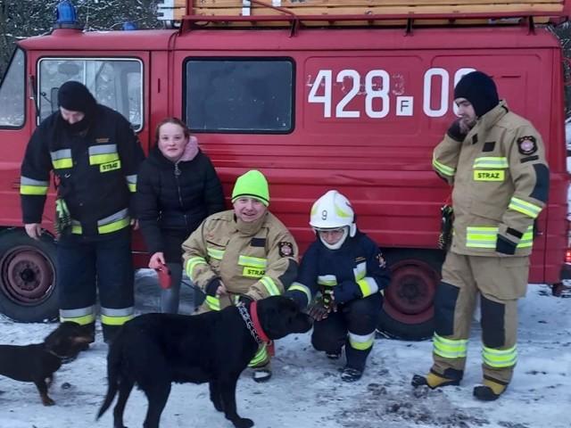 14 strażaków-ochotników musi sobie radzić z jednym, ponad 30-letnim samochodem.