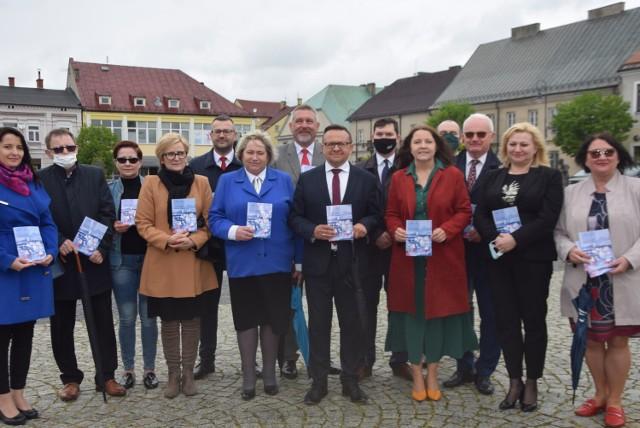 Politycy PiS mówili na sieradzkim Rynku o Polskim Ładzie