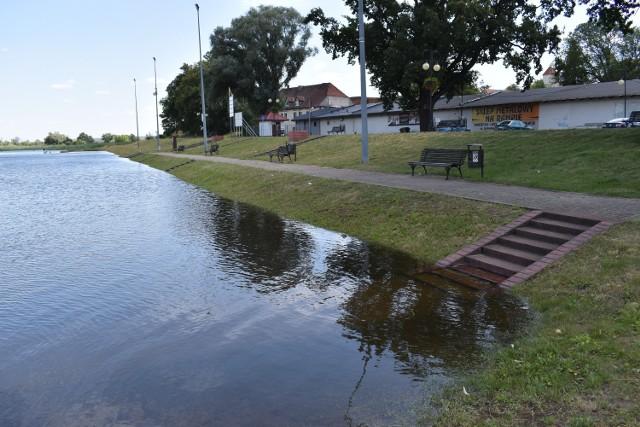 Poziom wody w Odrze w Krośnie Odrzańskim wciąż powoli wzrasta...