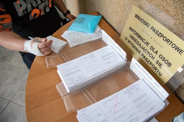 """Dziś, 14 grudnia, Kujawsko-Pomorski Urząd Wojewódzki organizuje """"Sobotę z paszportami""""."""