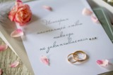 Śluby do 150 osób dozwolone! Nie macie jeszcze zaproszeń? Oto darmowe wzory do pobrania: jakość do druku