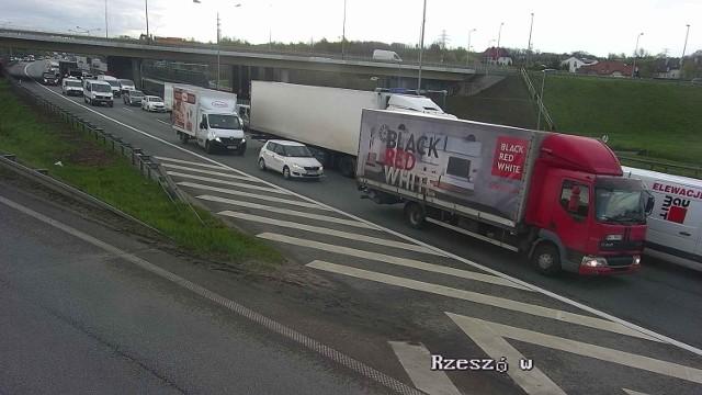 Gigantyczne korki na obwodnicy Krakowa. Powodem nie jest wypadek tylko prace drogowców.