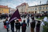 Pogrzeb praw kobiet przed siedzibą PiS w Bydgoszczy [zdjęcia, wideo]