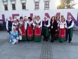"""Seniorzy z regionu na przeglądzie """"Złoty jesienny liść"""" w Chełmnie. Zobacz zdjęcia, sprawdź wyniki"""